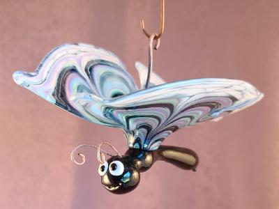 SAC#736 #06212122 butterfly hanging 4''Hx5''Wx8''L $125